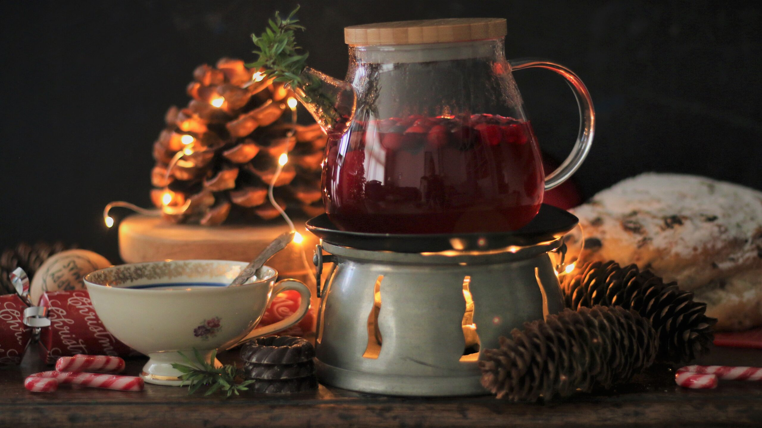 Cranberry hyssop thee